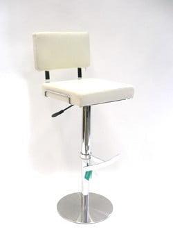 Messupöydän valkoinen tuoli
